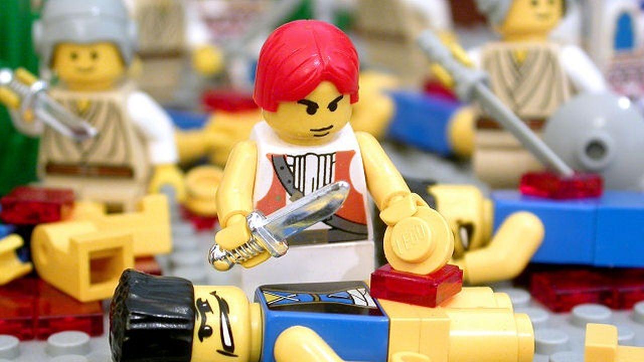 10 Escenas Espantosas de la Biblia Recreadas en Lego