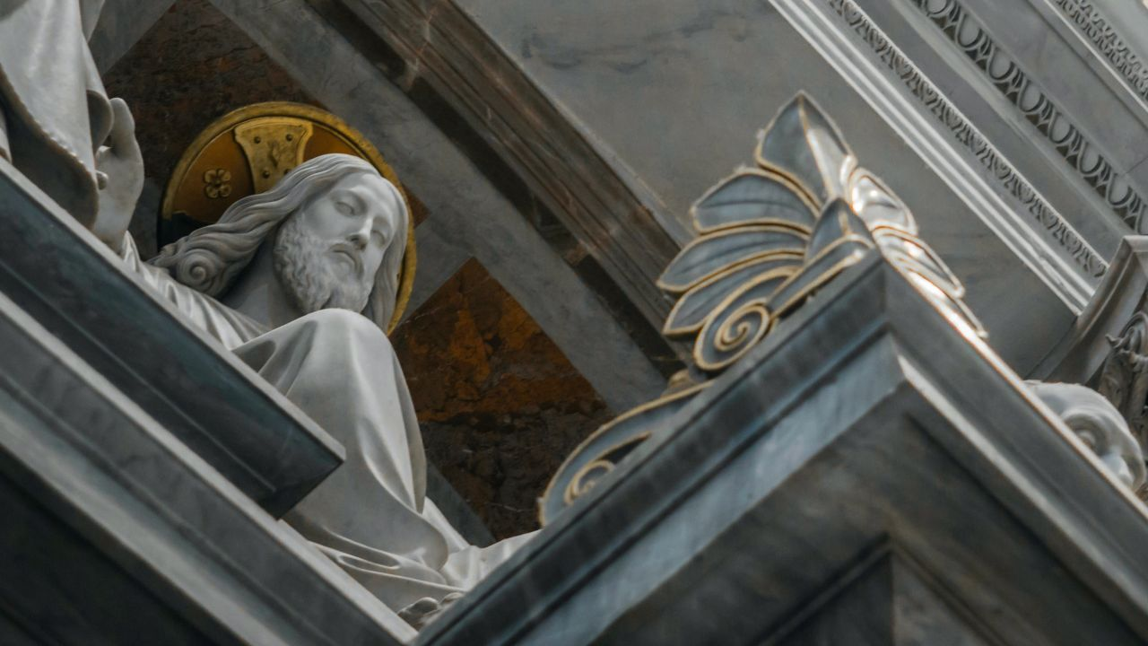 10 estatuas inusuales de Jesucristo