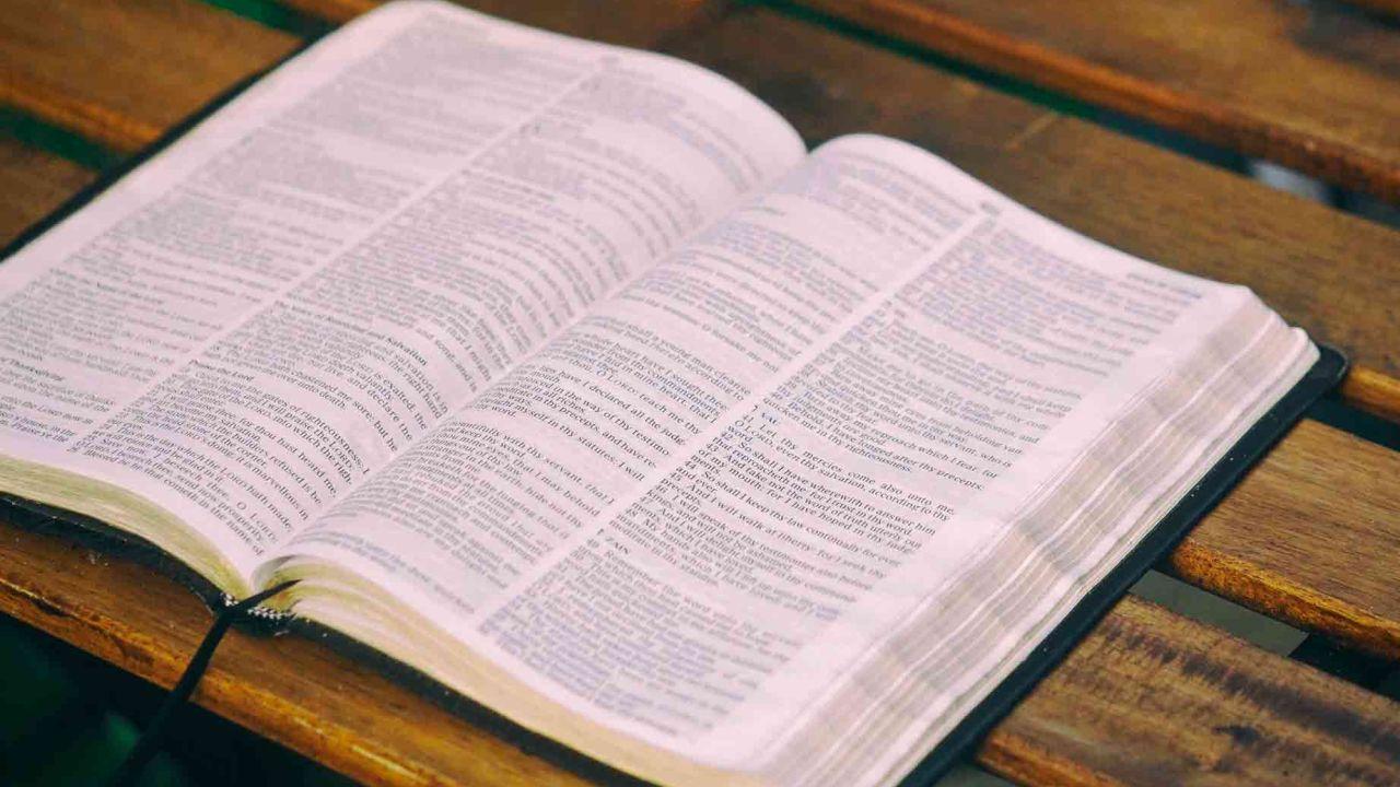 Los 10 libros menos populares de la Biblia