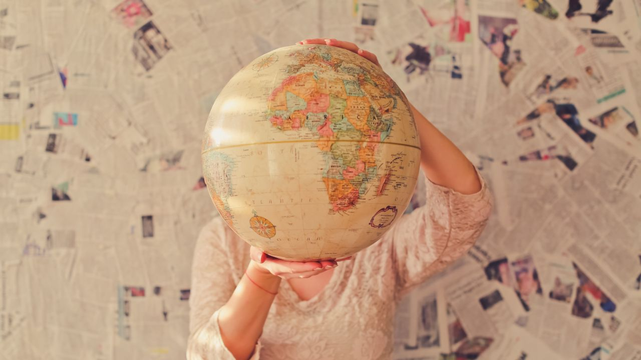 10 Lugares del Mundo con Nombres Raros que te Harán Reír