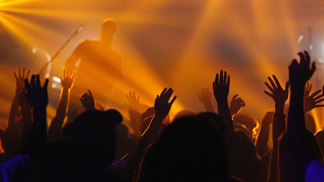 5 Escándalos Curiosos en el Rock Cristiano que Ofendieron a Muchos