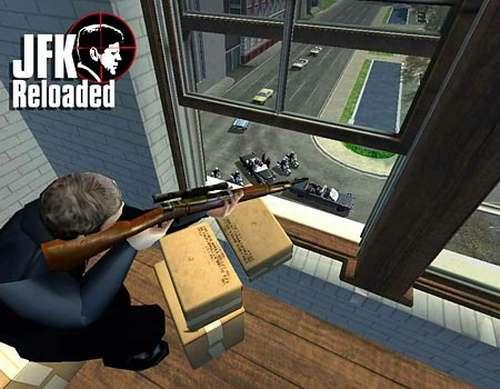 En el video juego un hombre apunta contra una caravana de carros que avanza por una avenida