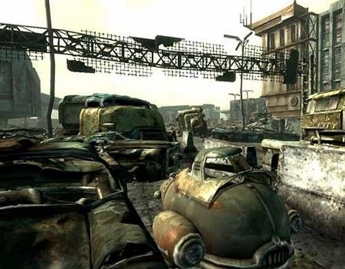Vemos una cantidad de caros y  tanques de otra época  donde todo esta totalmente destruido