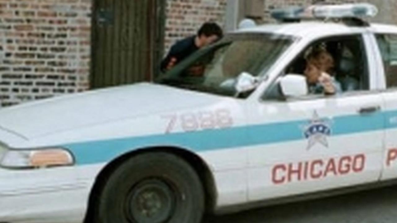 Adolescente de 14 años se hace pasar por policía