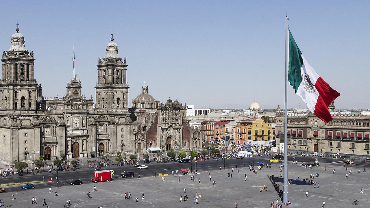 Aguinaldo mexicano escandaliza país sumido en la indigencia