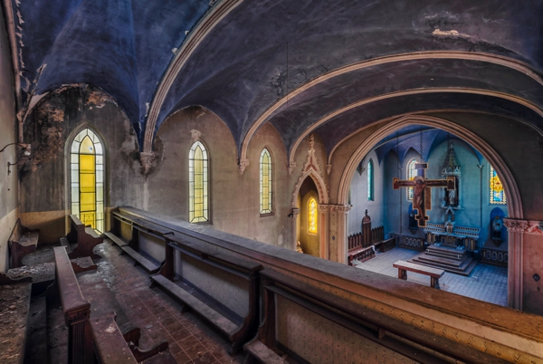 Una iglesia en pesimas condisiones
