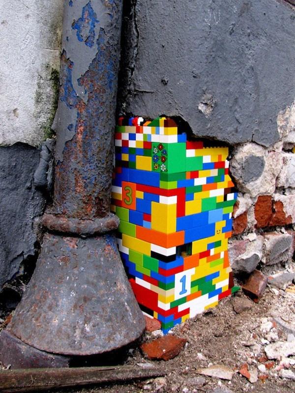 Un armatodo plasmado en una pared