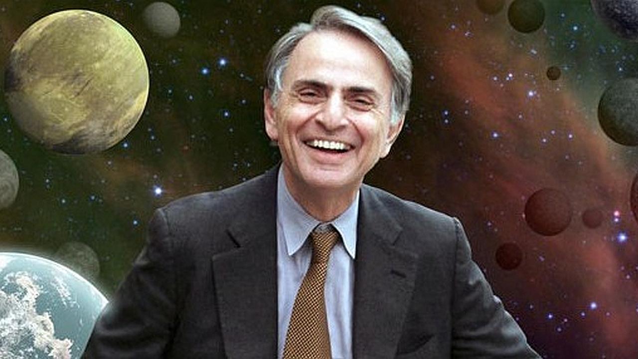 Carl Sagan no cree en los contactados por extraterrestres