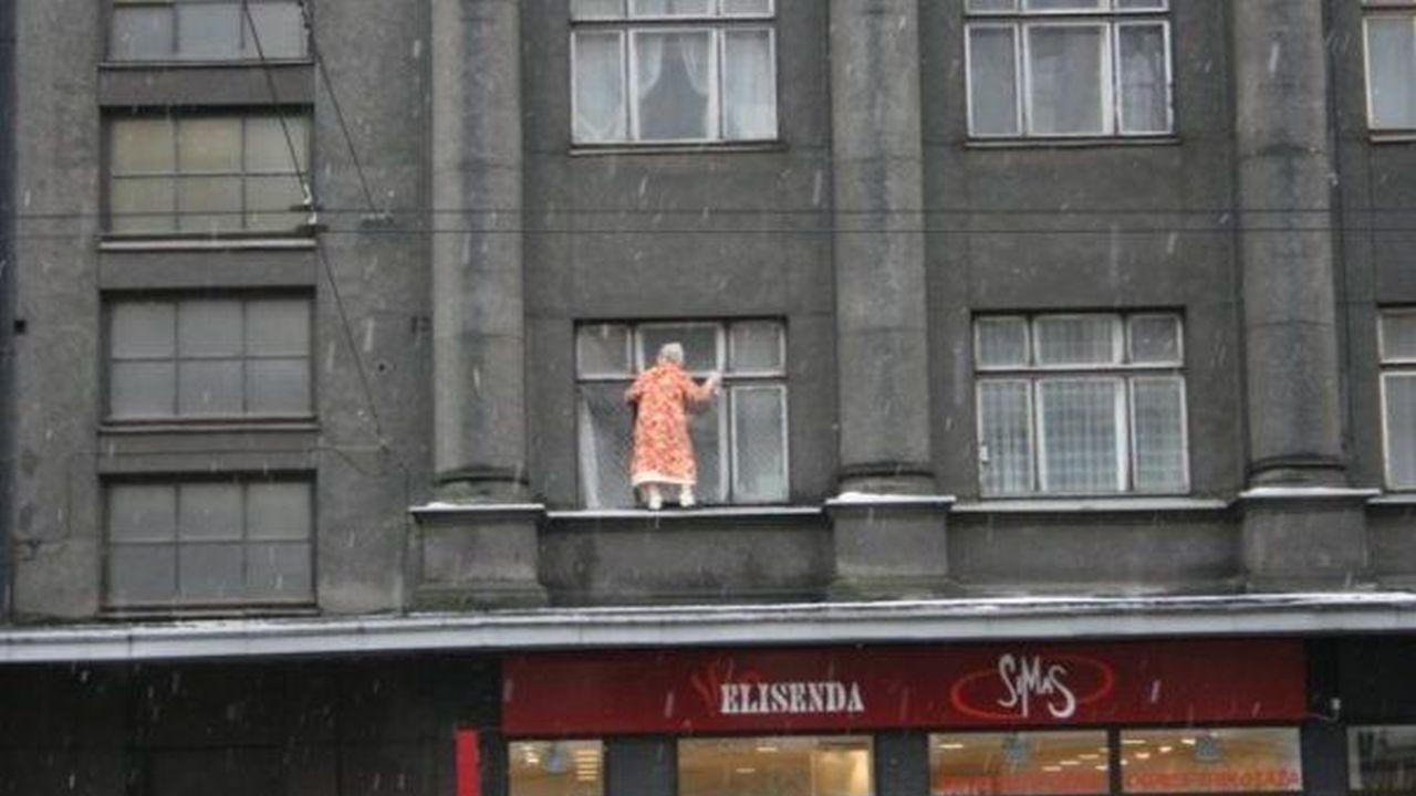 Como no limpiar las ventanas de su casa: Edición Extrema