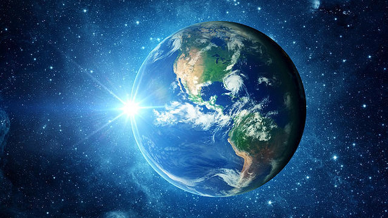 Comparación del tamaño de la tierra, los planetas y las estrellas
