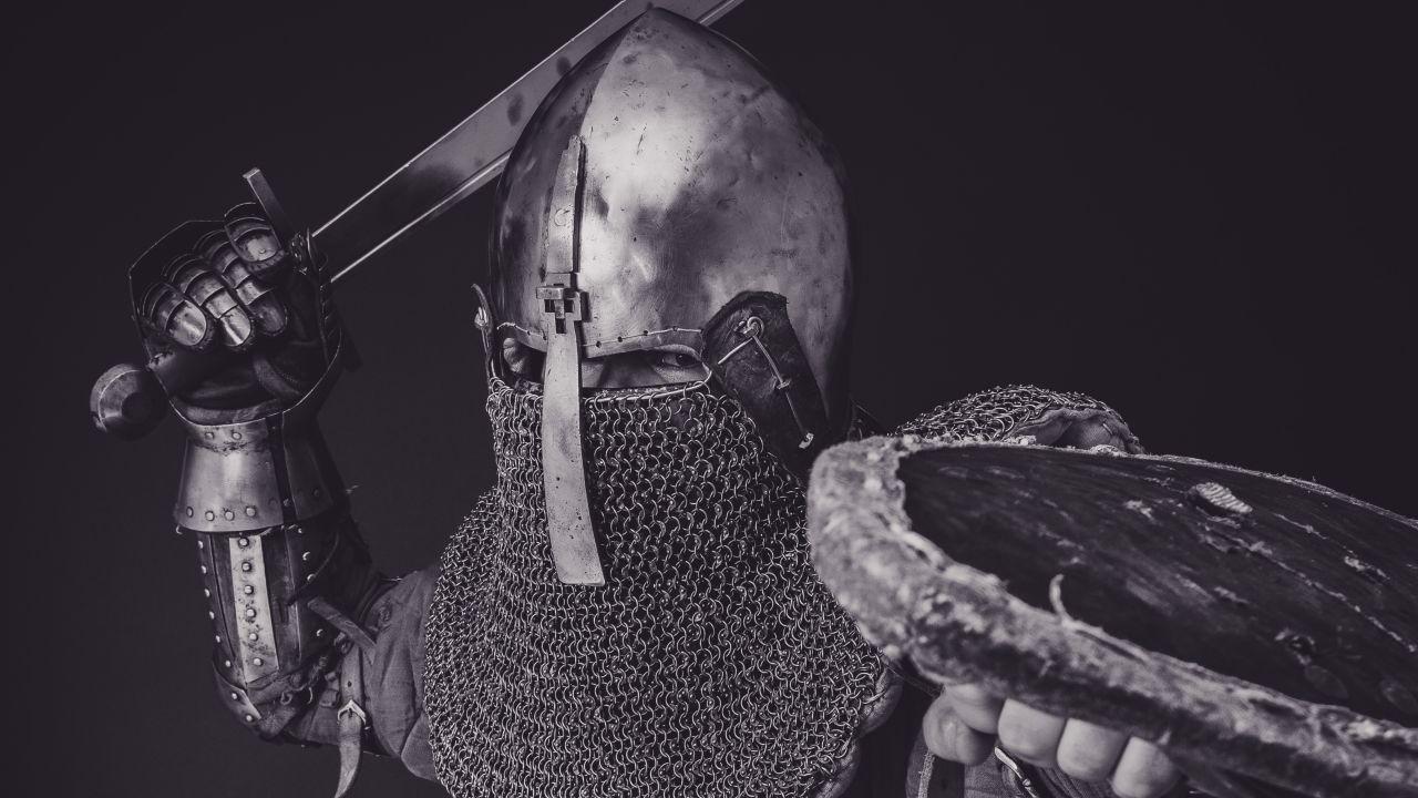 ¿Ir y comprar una espada?