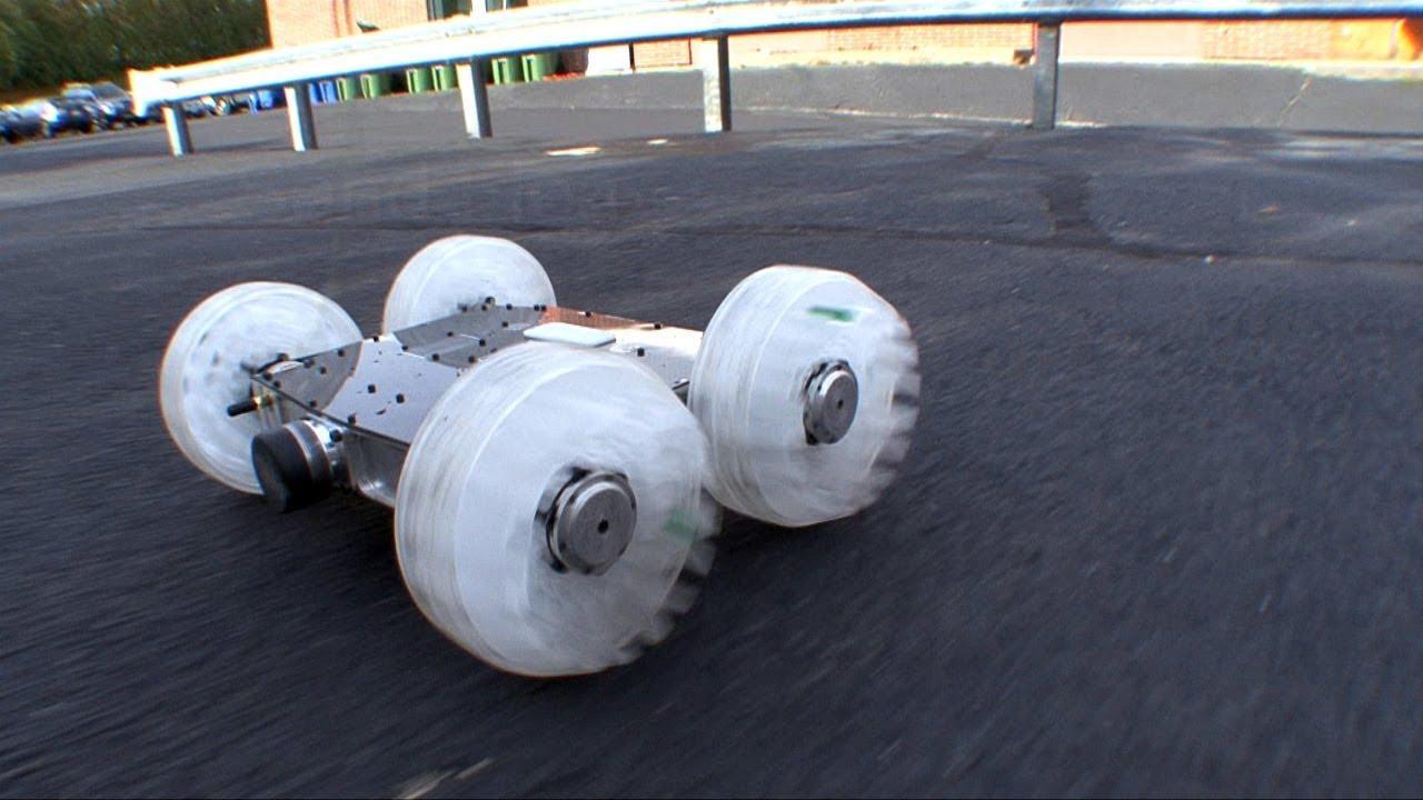 El increible robot saltarín