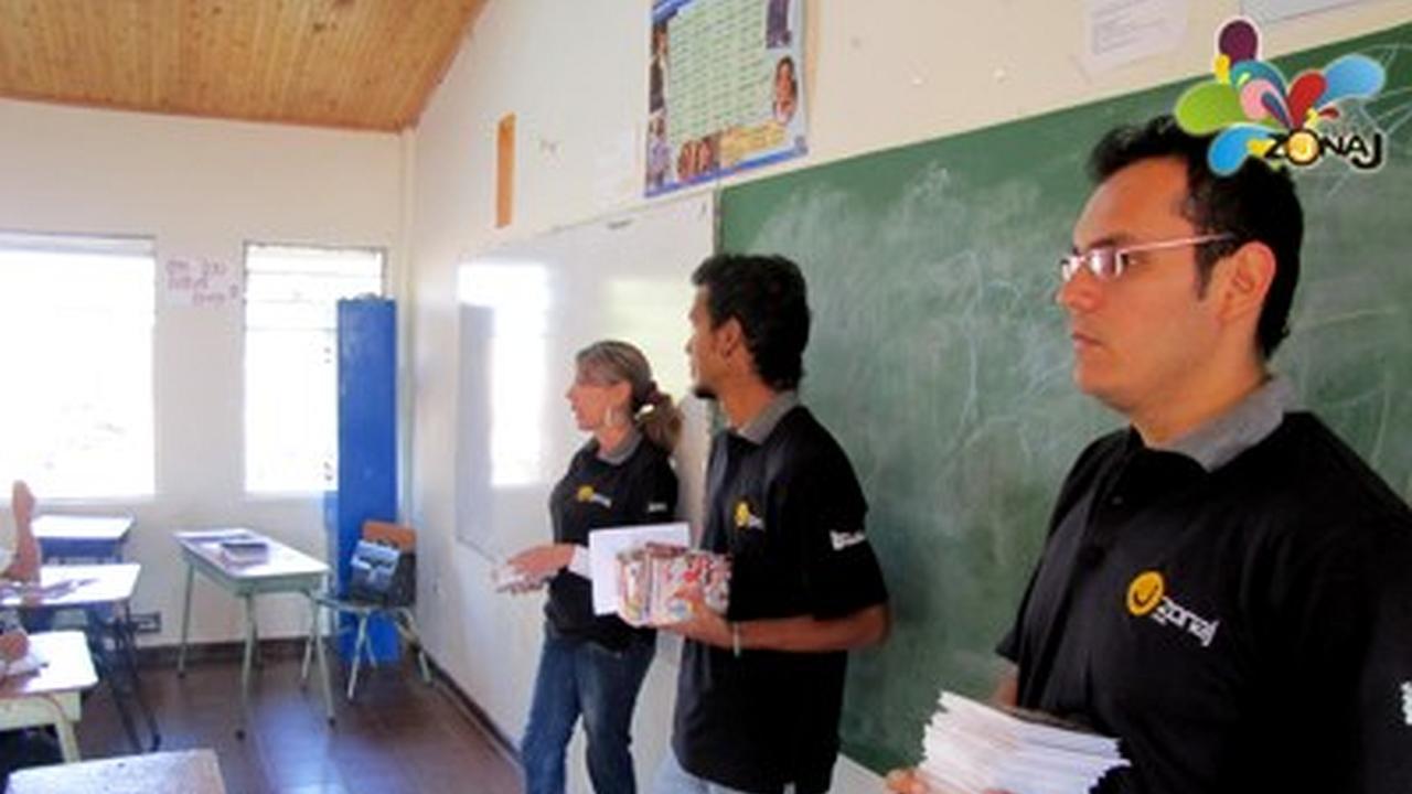El Tour visita el colegio INEM
