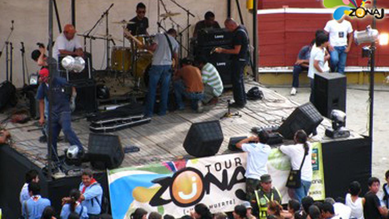 El Tour ZonaJ en el concierto Armenia se Escribe Sin H