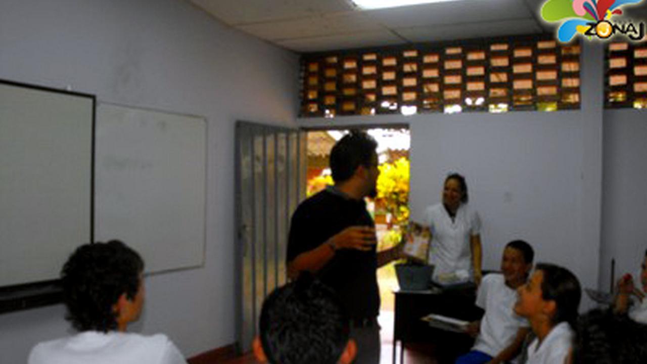 El Tour Zonaj visitó el Instituto Tebaida