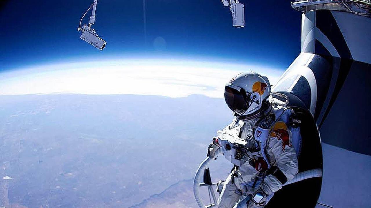 Felix Baumgartner logro el salto mas alto del mundo