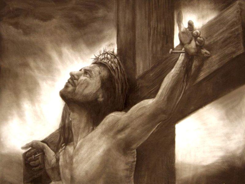 Jesús crucificado mirando el cielo