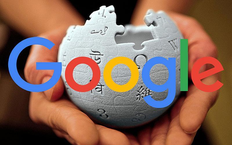 Vemos una esfera blanca con fichas de rompecabezas que tienen letras en   diferentes idiomas y encima en colores fuertes la palabra Google l