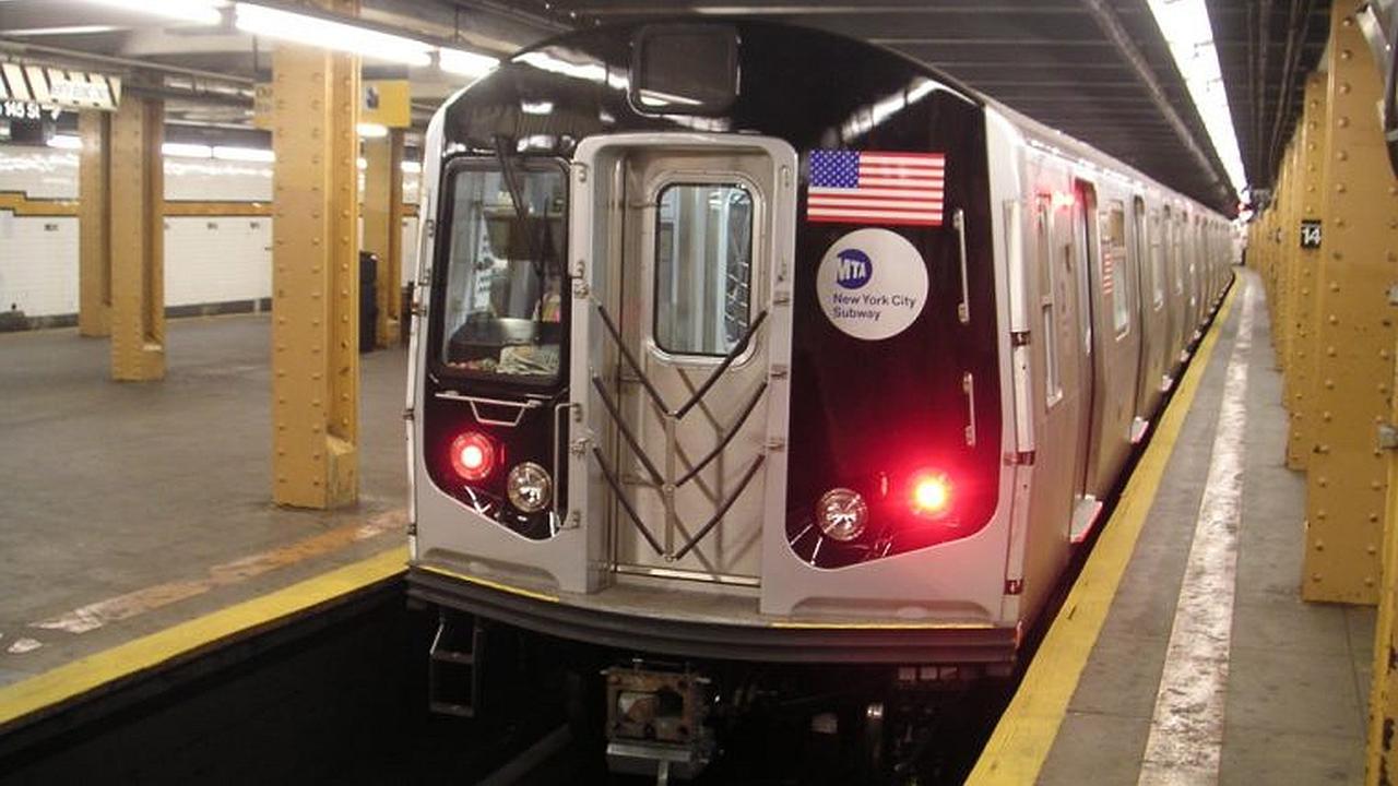 Hombre salta a las líneas del metro para salvar su iPhone