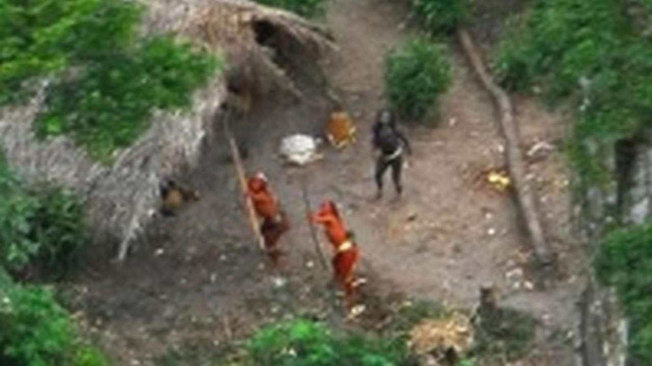Imágenes de una de las últimas tribus sin contactar del mundo