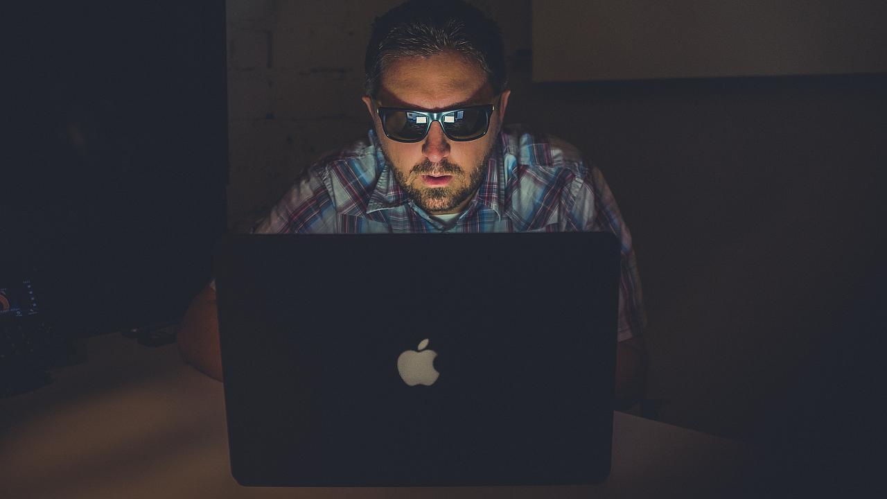 Adicción al Internet nominada para entrar en el Manual de Desordenes Mentales