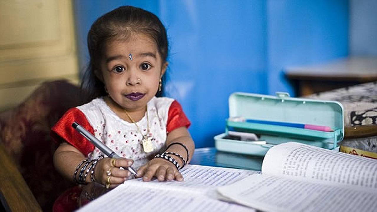 La niña mas pequeña del mundo