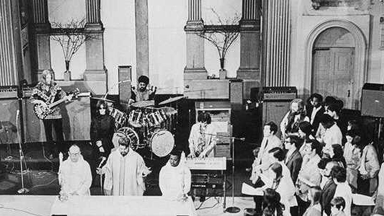 La Liturgia Eléctrica y los Orígenes de la Llamada Adoración Contemporánea