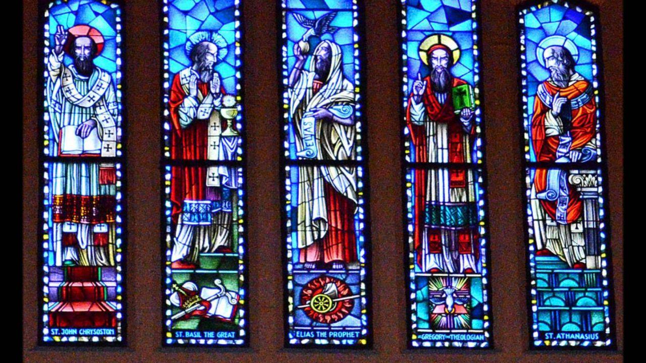 10 Santos Católicos Famosos con Vidas Milagrosas Super Asombrosas