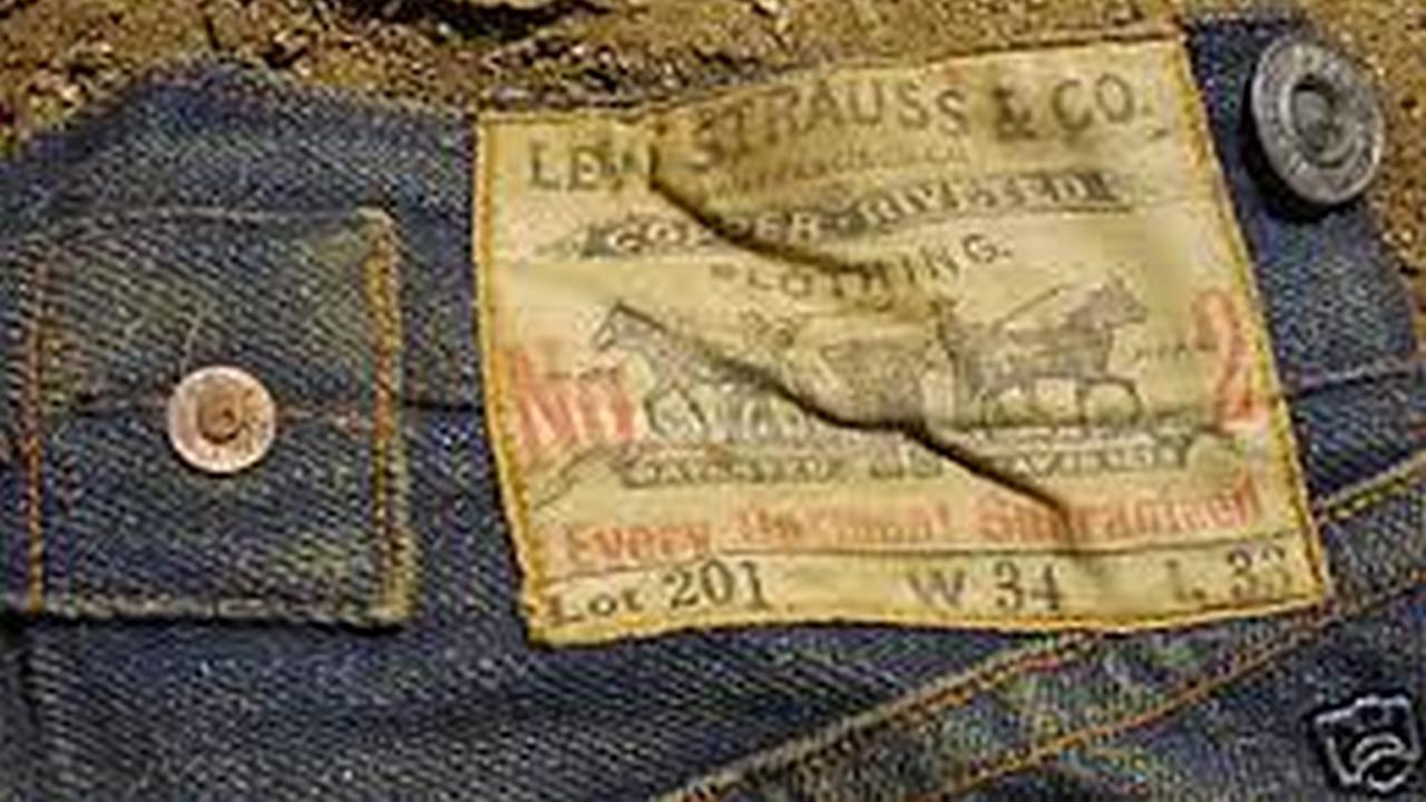 Pantalones Levis de 110 anos de edad a la venta por Ebay