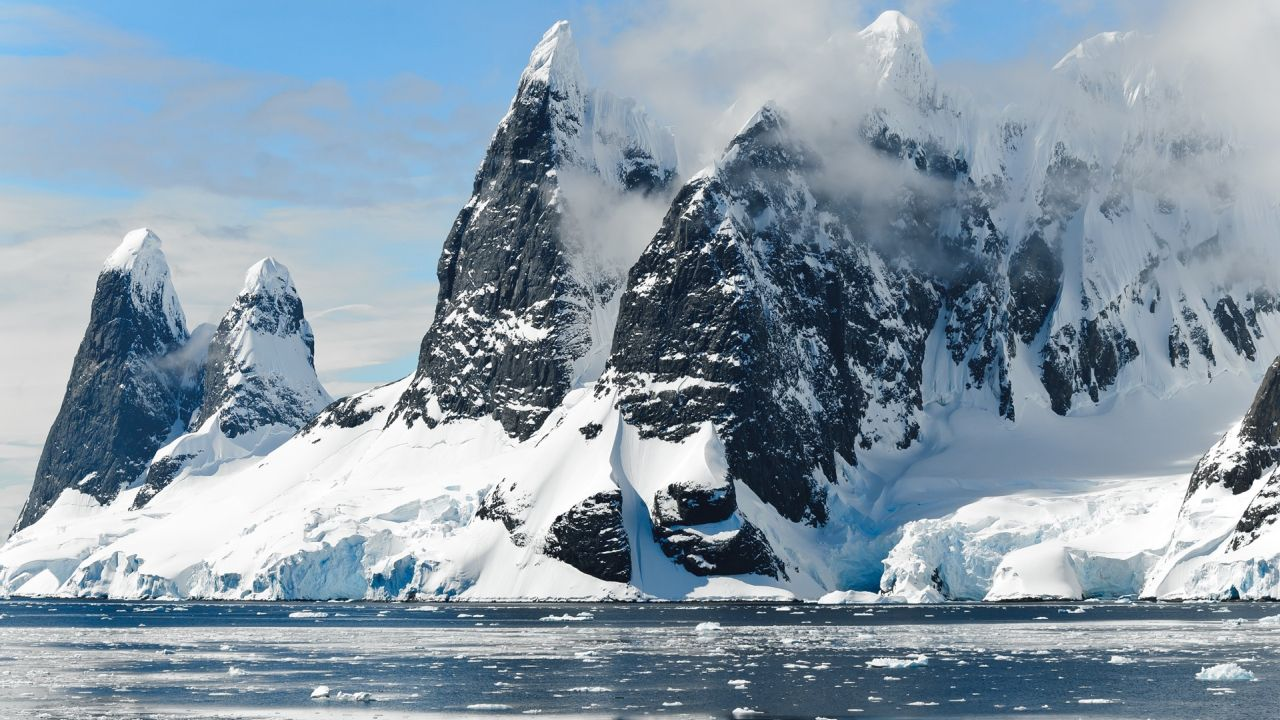 Religión en las Nieves Eternas de la Antártida