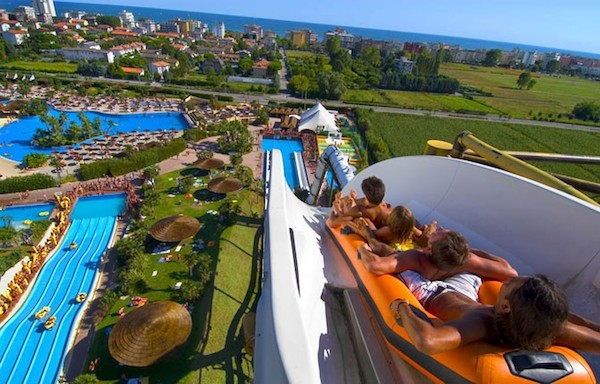 The Worlds Tallest Water Slides - Spacemaker
