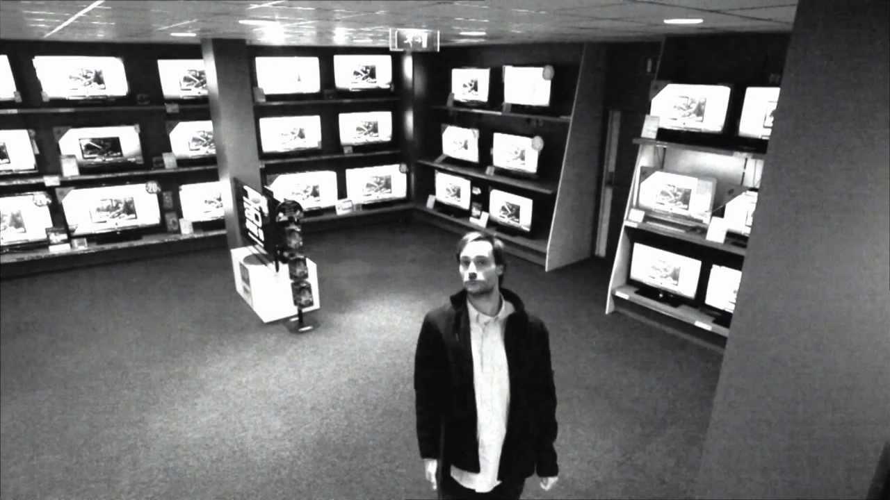 Un comercial de television con un ladron muy inteligente