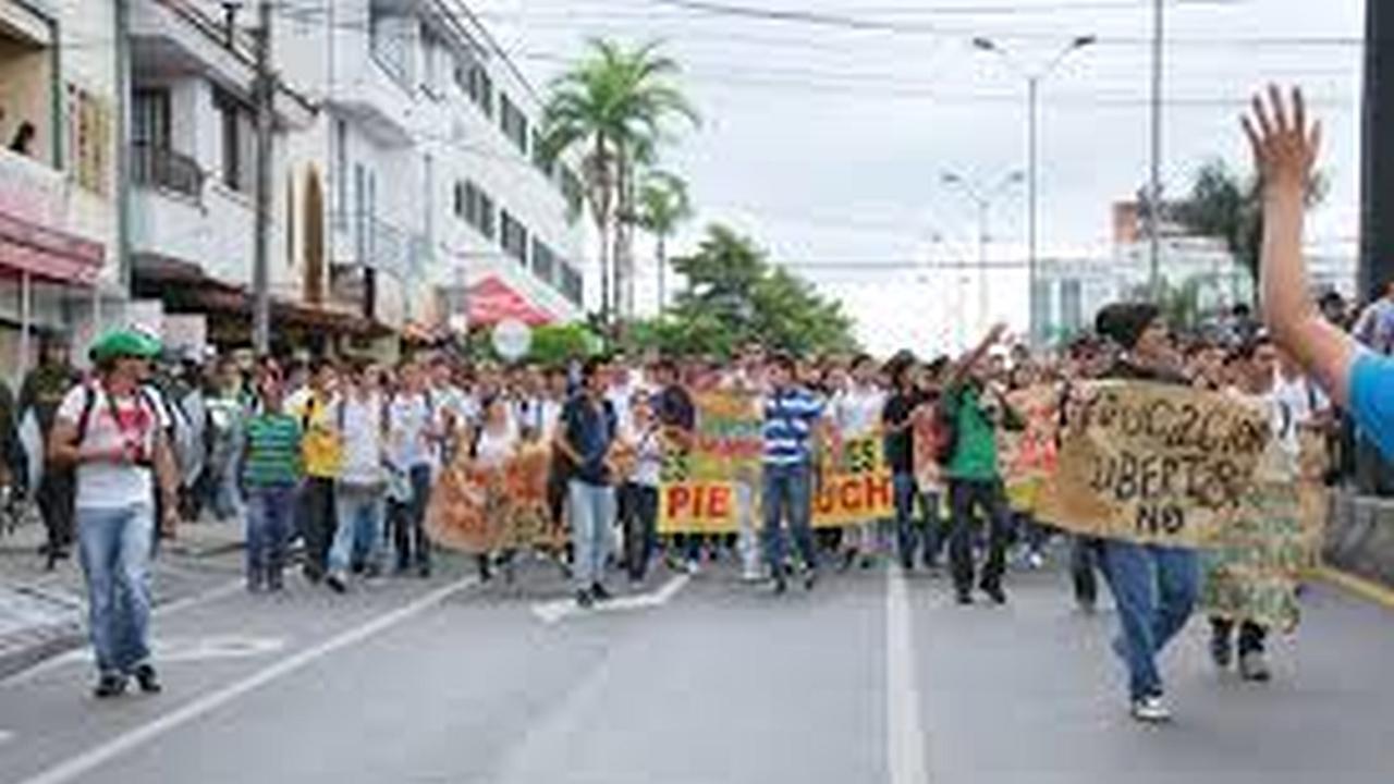 ZonaJ en las marchas estudiantiles en contra de la ley 30
